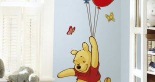 Winnie the Pooh und Piglet Giant Wall Decal